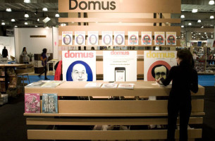 Photo of Domus kiosk created by Townsend Design for the ICFF, Jacob Javits Center NYC. Design: Jennifer Carpenter Architect